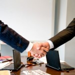 営業をフリーランスが行うことで挙げられるメリット・デメリット