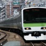 サラリーマンの電車の過ごし方1位は圧倒的にスマホでニュースアプリ