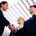 なぜか好かれる営業マンの特徴とは?営業スキル厳選3選